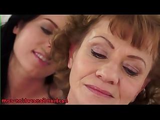 Beauty enjoys facesitting on lez granny